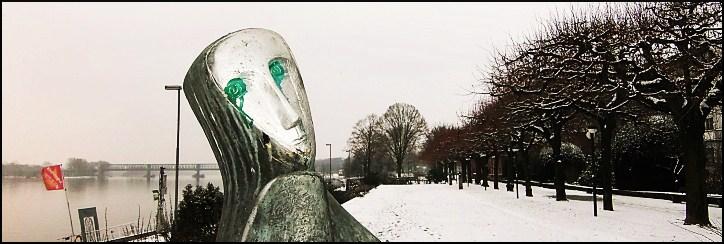 """Rheinufer, Statue """"Tripolitanerin"""" von Emy Roeder"""