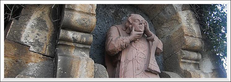 Bodenheim, Plattenhohl: Statue des enthaupteten Sankt Alban