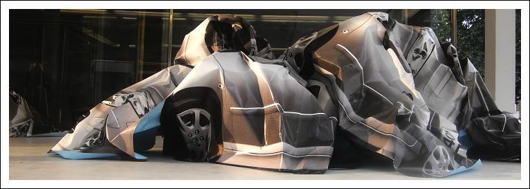 "Papierskulptur ""Crash"", Frédéric Sanchez - Haus Burgund"