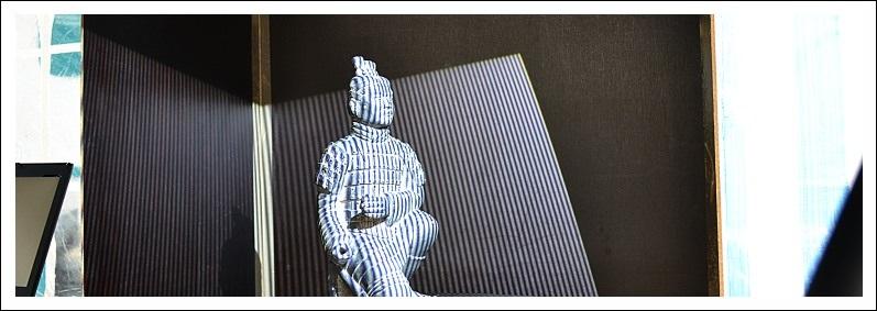 Aufnahme eines kleinen chinesischen Terrakotta-Kriegers durch einen 3D-Scanner des Römisch-Germanischen-Zentralmuseums