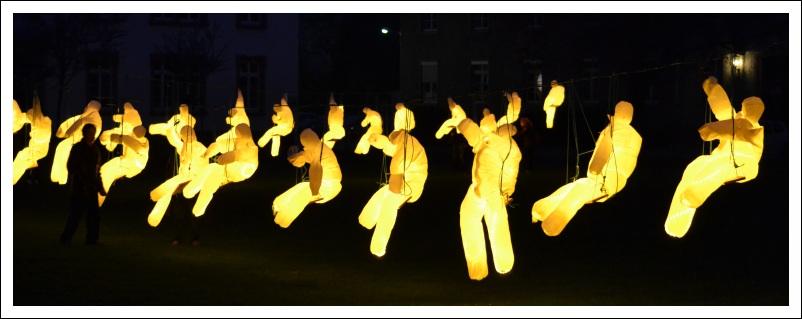 """Das Bild zeigt die Luminale-Installation """"Lichtarmee"""""""